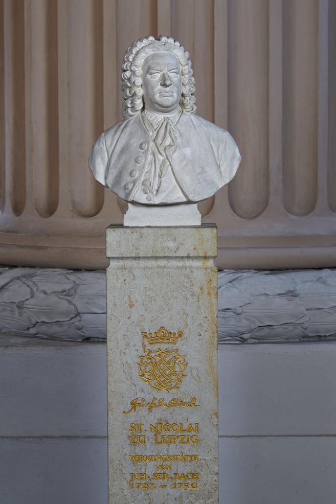 Leipzig: Nikolaikirche; Bachbueste mit Stele
